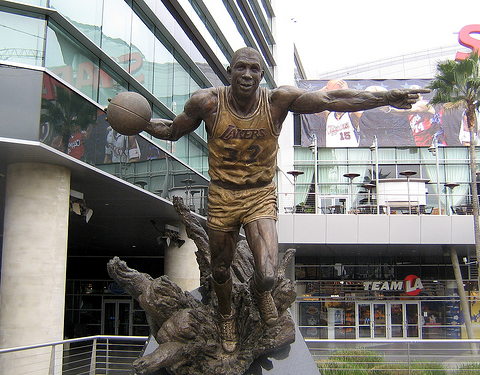 Statuie Magic Johnson